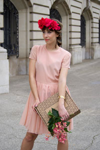 Shooting-Gisele-lhabibliotheque-robe-rose-9
