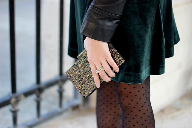 detail-clutch-asos-gold-sparkle