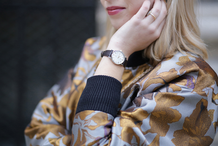 parisian-blogger-streetstyle-robe-tenue-de-soiree-detail-montre-festina