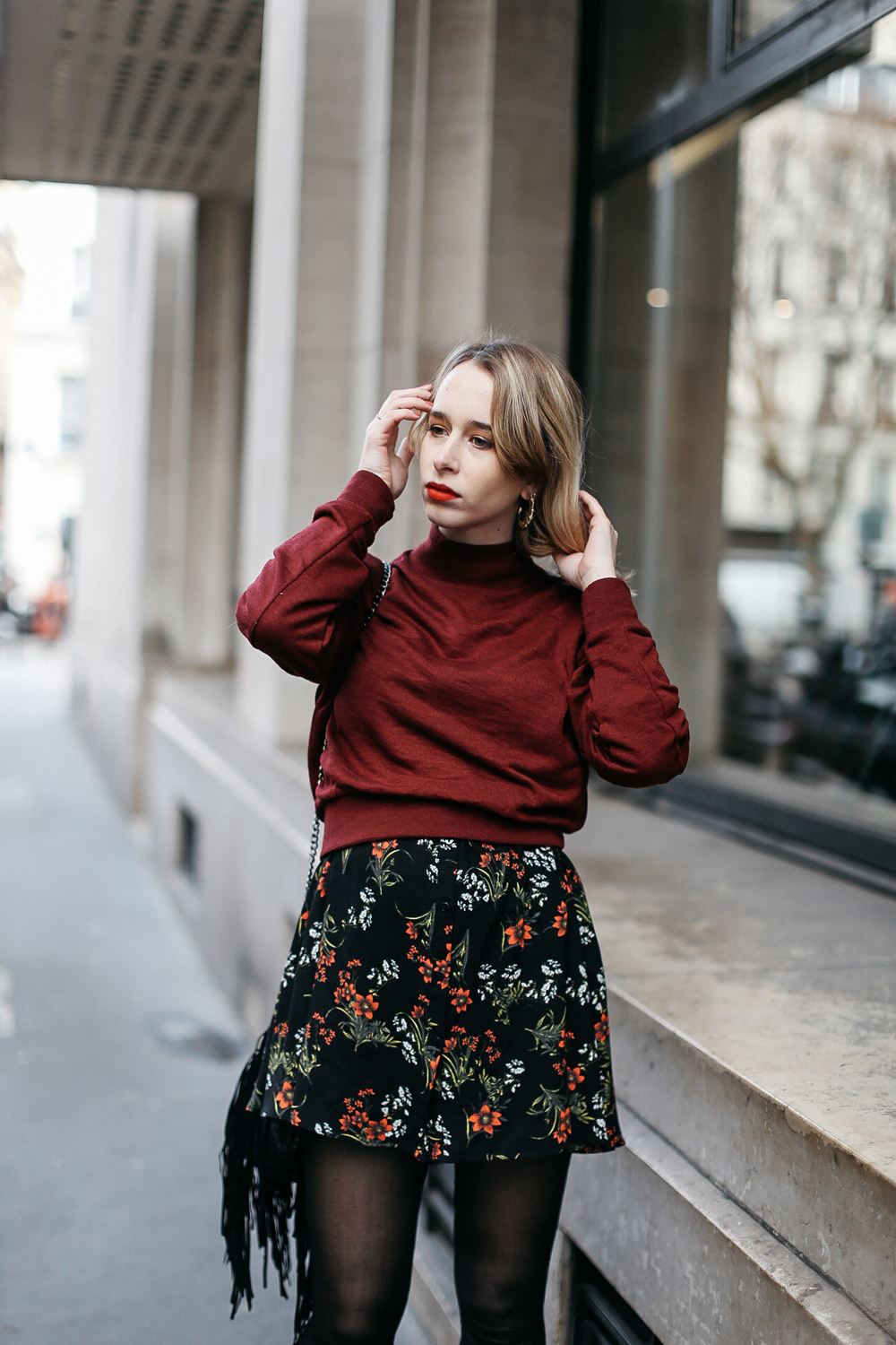 parisian-fashion-blogger-flowers-zara-dress