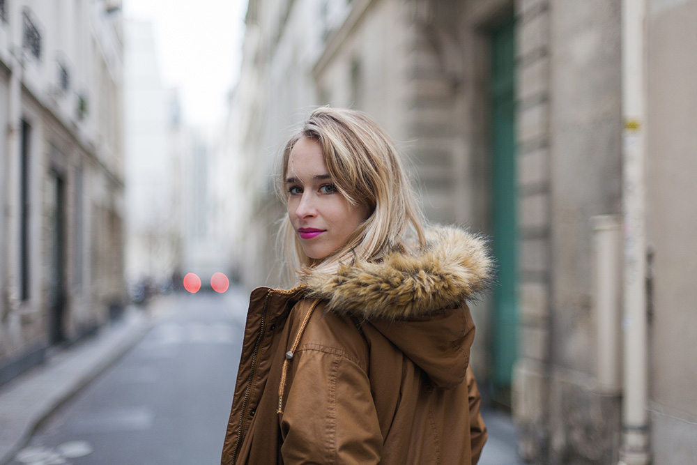 parisian-street-portrait-fashion-blogger