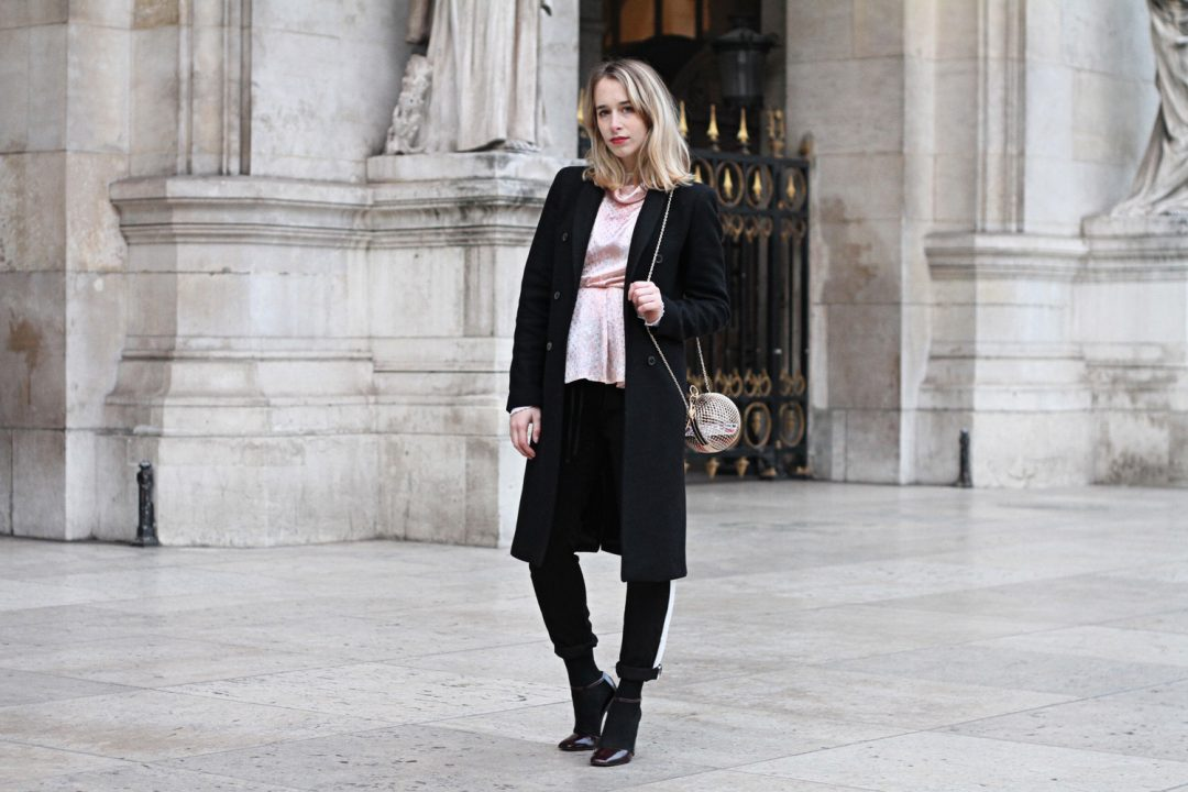 streetstyle-parisian-blogger-black-outfit-1