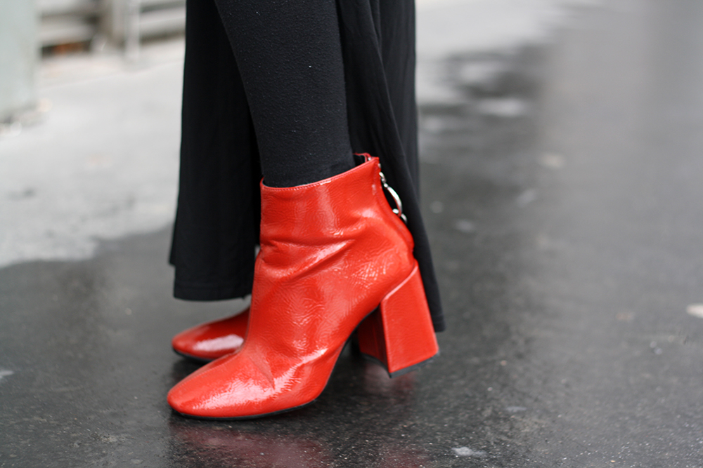 mathildecloset-challenge150-141-bottines-vinyle-rouges-zara