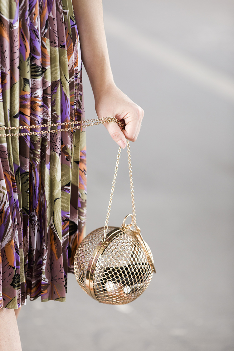 detail-closeup-cage-bag-asos