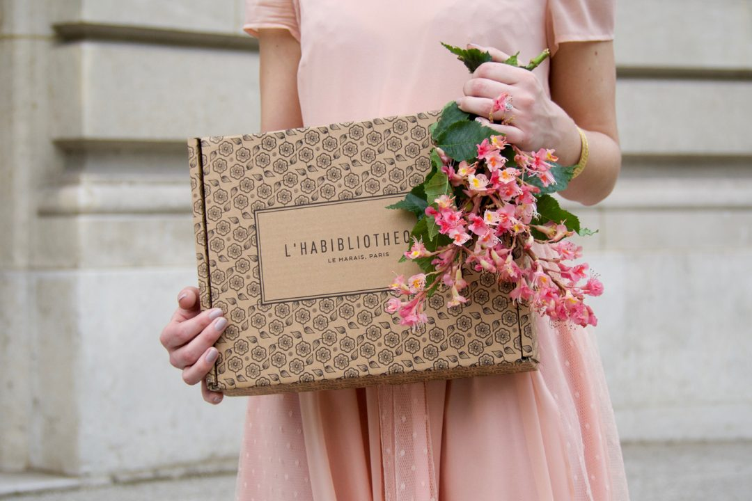 Shooting Gisele l'habibliotheque - robe rose-34
